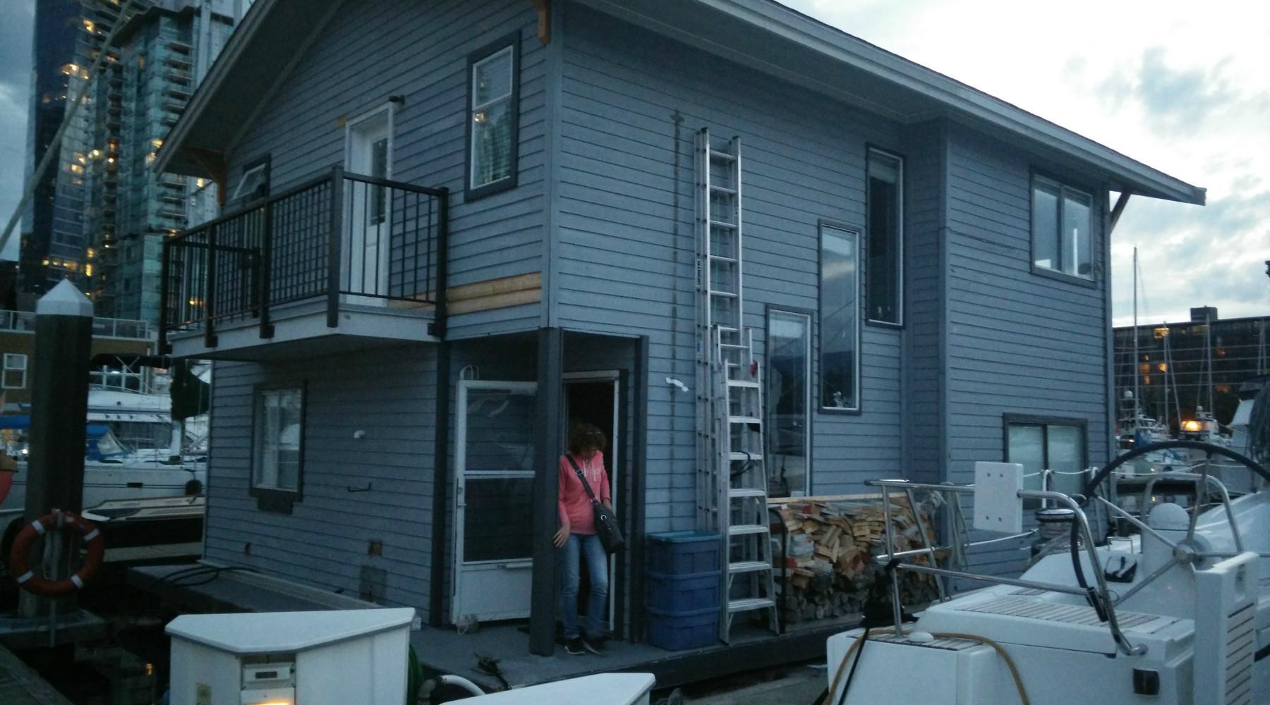 bernachten im boathouse und jobsuche in kelowna my life experience. Black Bedroom Furniture Sets. Home Design Ideas